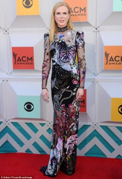nicole-kidman-alexander-mcqueen-academy-country-music-awards-1